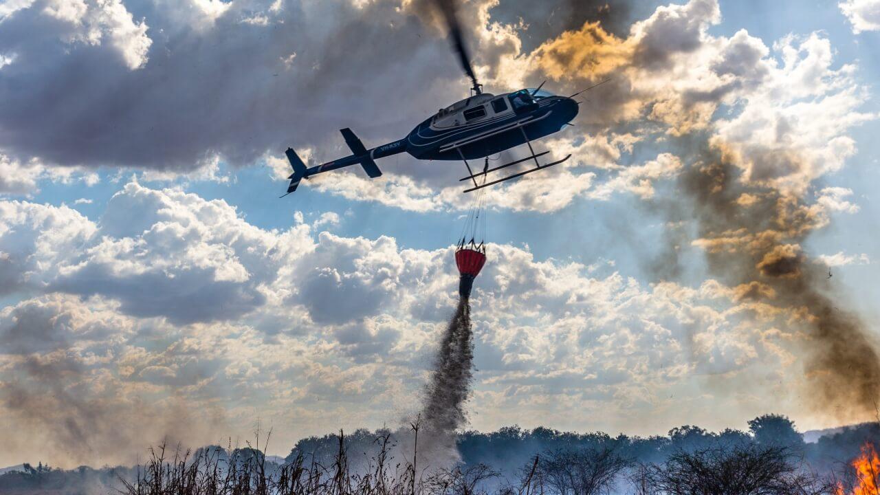 helicóptero para combate a incêndio em SP